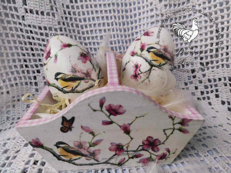 Pisanki w magnolie w koszyczku magnoliowym …;)
